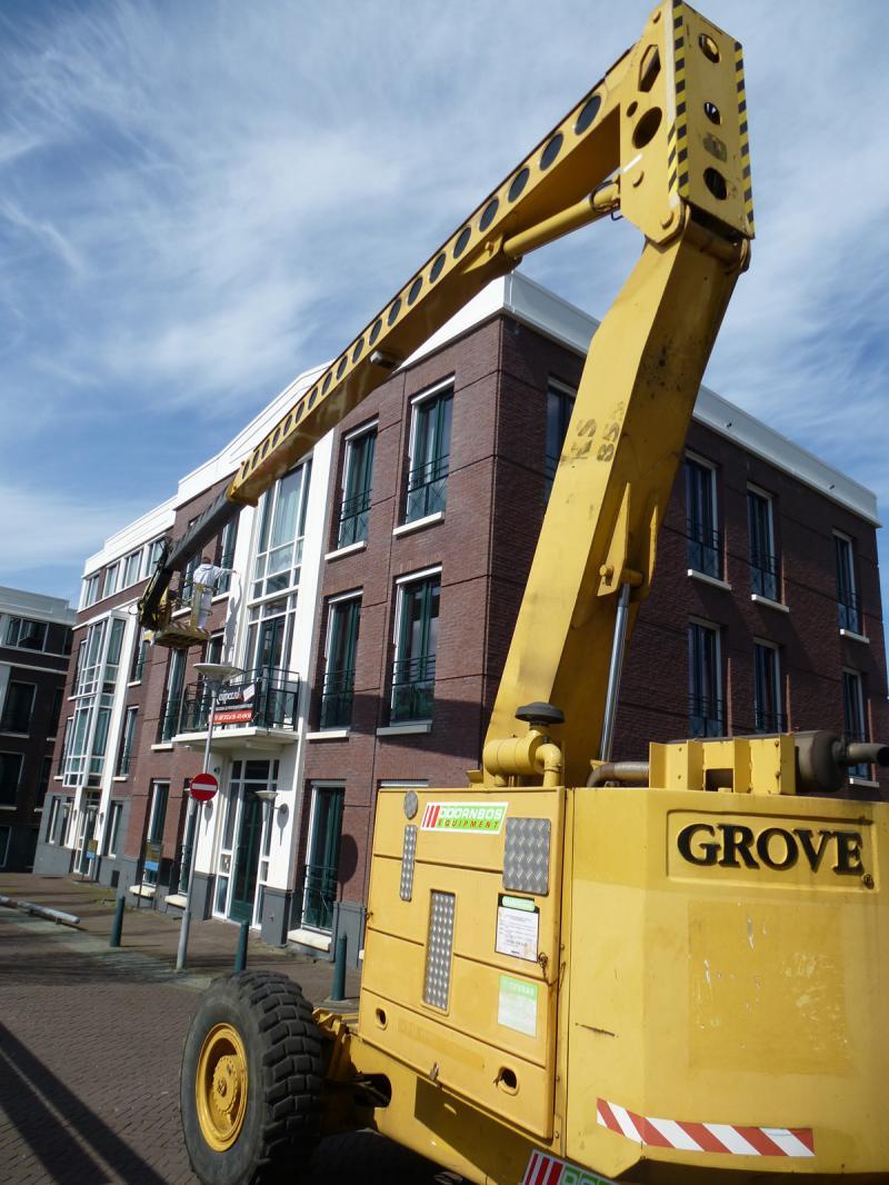 Schilderwerk op grote hoogte te Zoetermeer 0