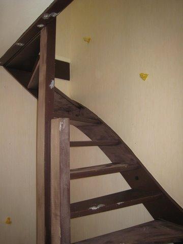 Schilderen deuren en trappenhuis te Leidschendam 3