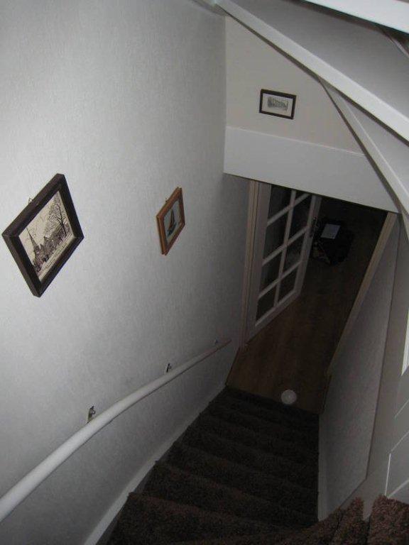 Schilderen deuren en trappenhuis te Leidschendam 0