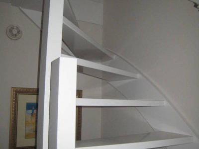 Schilderen deuren en trappenhuis te Leidschendam