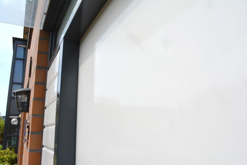 Voordeur opnieuw geschilderd