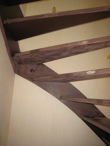 Schilderen deuren en trappenhuis te Leidschendam 6